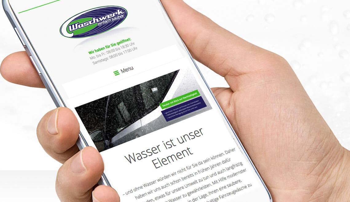 Waschwerk Mülheim Portfolio mit Ansicht eines Teilbereiches einer Seite des neuen responsiven Internetauftritts von der Waschstraße Waschwerk in Mülheim, Ansicht auf einem Smartphone